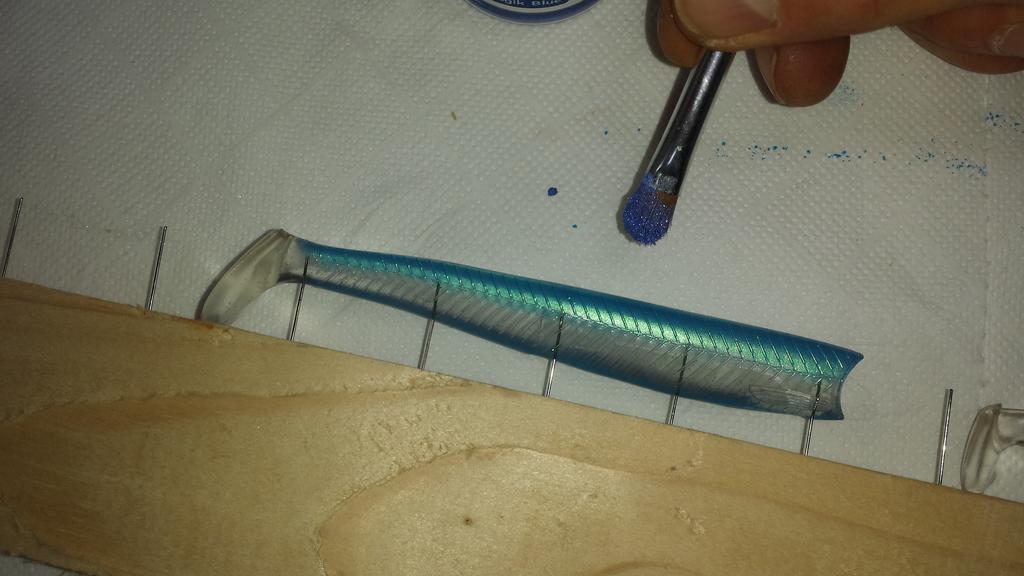 TUTORIEL Pigments nacres et paillettes en décoration de surface- partie 1 : Les Leurres souples